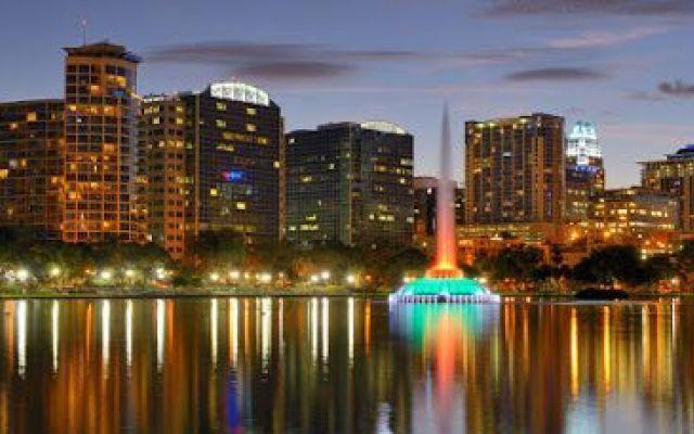 Orlando: uno scenario pieno di magia A Orlando potrete seguire un itinerario davvero elettrizzante, passando dalle montagne russe ai complessi turistici, dai dinosauri ai parchi Disney. Divertimento assicurato per tutta la famiglia, spe #viaggi #relax #estate