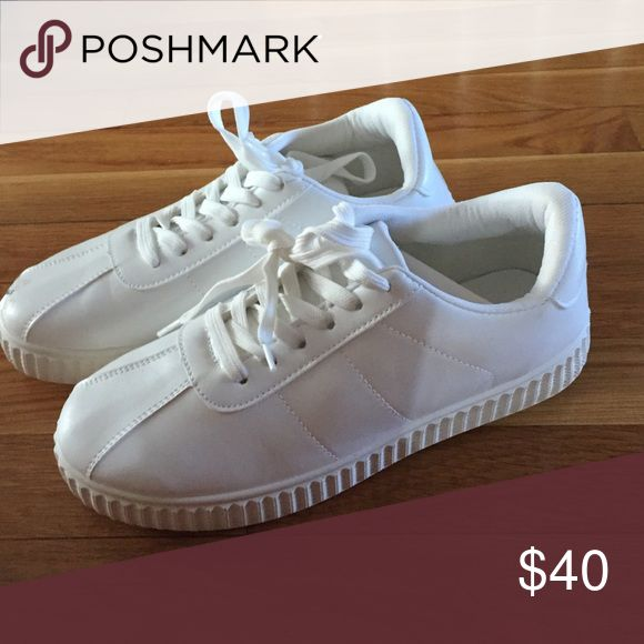 WHITE HIPSTER/RETRO SNEAKERS cute white chunky retro sneakers go with everything ! NEVER WORN! Shoes Sneakers