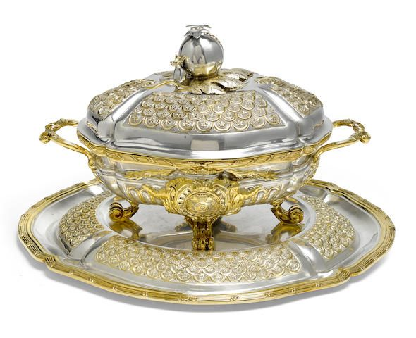 A Mexican parcel-gilt sterling silver covered tureen on stand by Tane, Mexico City,  modern