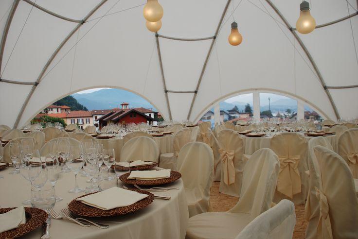 Allestimento interno della Struttura Leggera #Hexadome: 100 mq allestiti con tonalità calde ed eleganti. #Wedding #LerianSrl