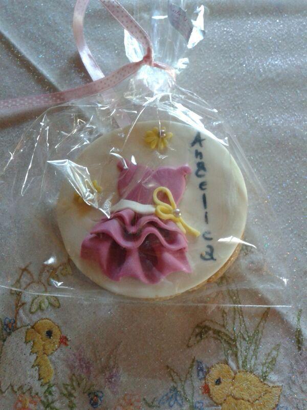 I biscotti della nascita,un modo originale e divertente per annunciare alle persone care l ' inizio di una nuova vita. Dedicato ad Angelica...