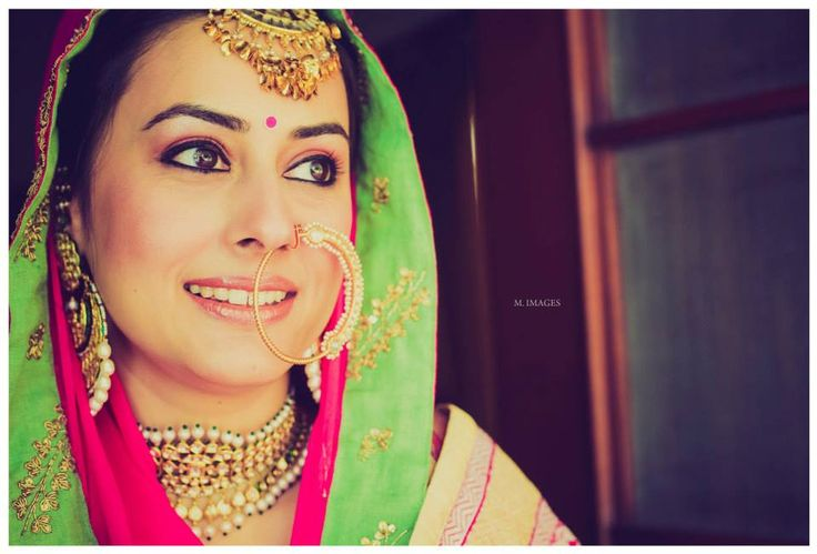 Oh Yes!!! The perfect Indian look <3 Photography: Morvi Images