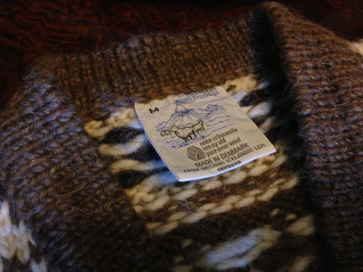 #Label. From #Denmark a typical knitted white and brown #rainproof #jumper from original #Icelandic #lopi