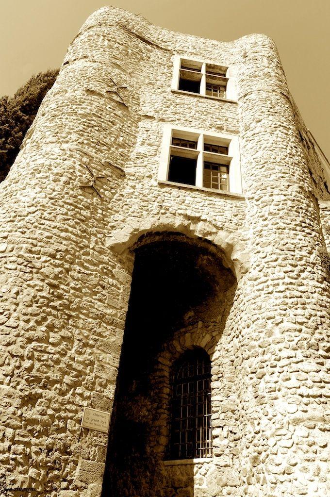 Grands forts Nyons provence drôme drome http://www.bien-etre-drome.com/