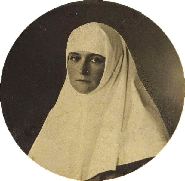 Alexandra Feodorovna, the last Russian Empress, as a nurse during World War I. From vk.com/naaotma