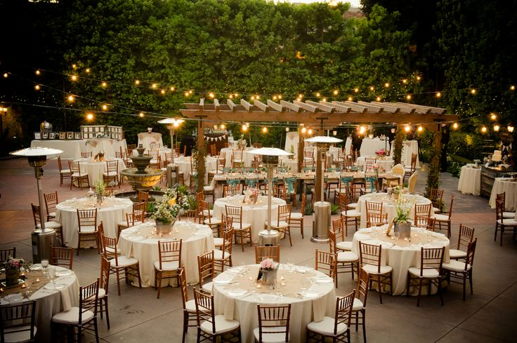 A Country & Vintage Style Wedding - Rustic Wedding Chic....this is how burlap squares look........hmmmmm
