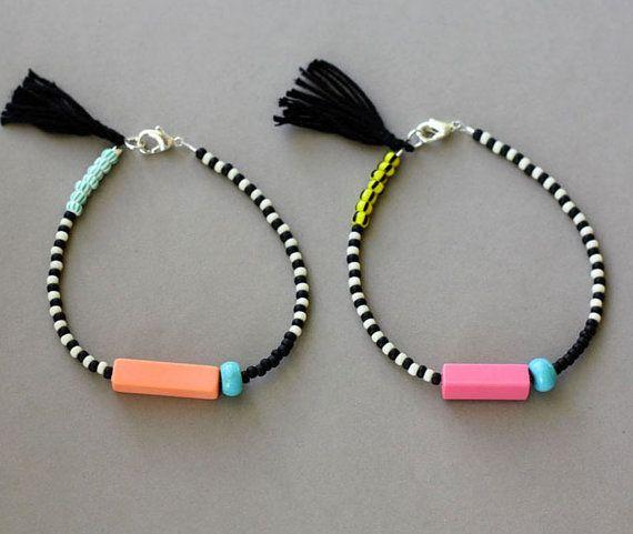Friendship Bracelet with Tassel Black and White por feltlikepaper