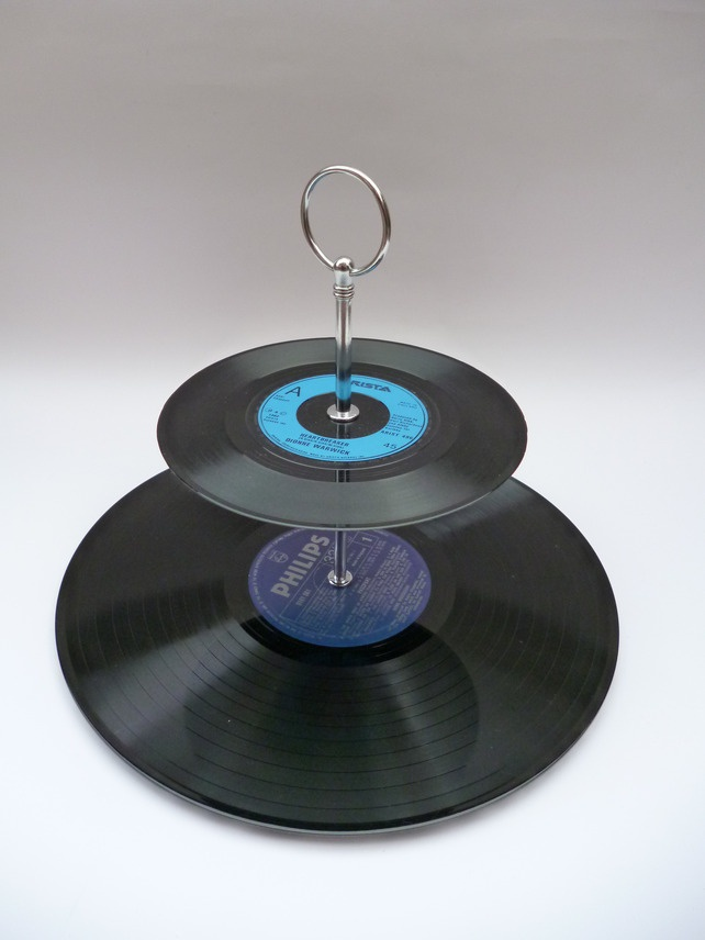 How fun and easy is this: Record cake stand