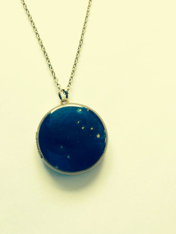 Leo Constellation Astrology Round Brass Locket Necklace by Locketfox on Etsy https://www.etsy.com/listing/179727868/leo-constellation-astrology-round-brass