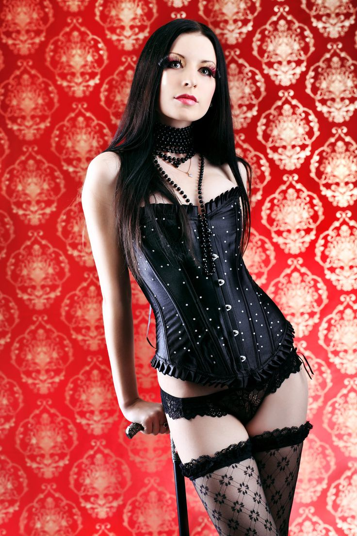 hot-sexy-gothic-girls-covered-in-blood-gore-flat-chested-asian-street-porn