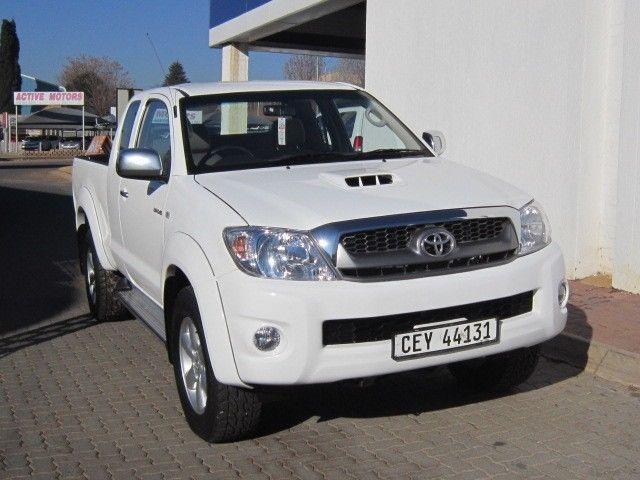 2011 Toyota Hilux Raider Xtra 3.0 D Extra CabR239900,00Finance available with all the major banks, Trade In's Accepted.Contact: Samantha: 072 211 2339 or email: samanthe@subaru-centurion.co.zaFor more information