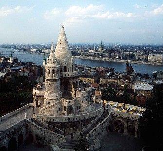 Blick über Budapest, im Vordergrund: Fischerbastei