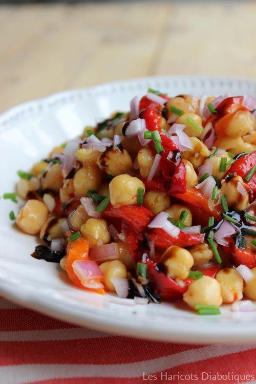 Salade de pois chiches aux poivrons marinés