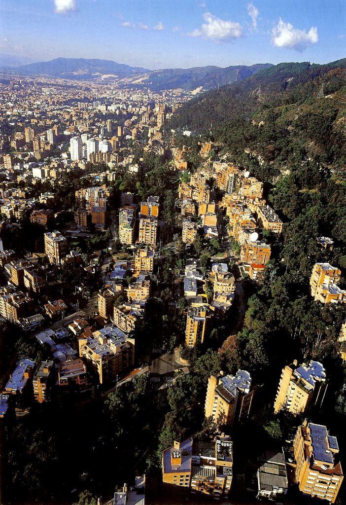 Vista aérea del barrio Los Rosales. Bogotá