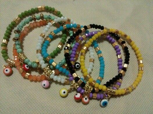 Handmade bracelets. Pulseras hechas a mano de proteccion.Ojos turcos y brillantes colores.