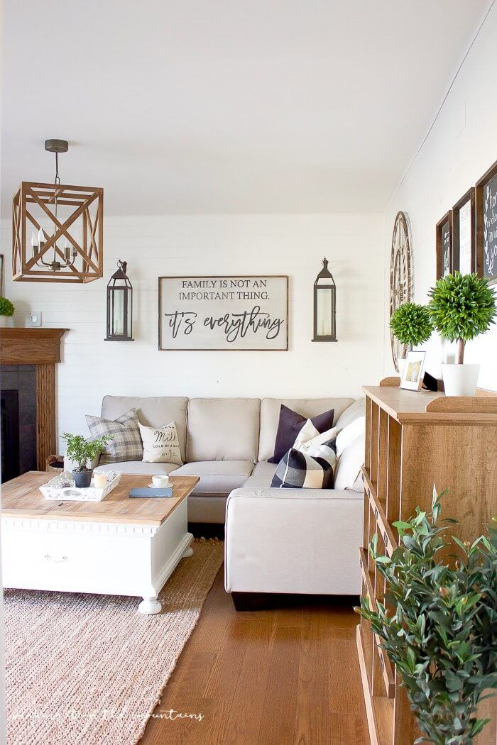 33 Charming Rustic Living Room Wall Decor Ideas For A Fabulous Relaxing Space Wall Decor Living Room Rustic Farm House Living Room Family Room Walls