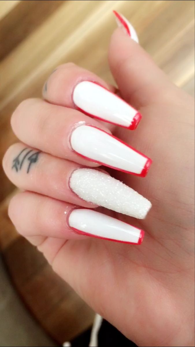 Subtle Christmas Nails In 2020 White Acrylic Nails Long Square Acrylic Nails Square Acrylic Nails