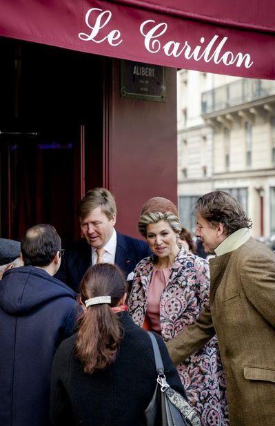 Le roi et la reine des Pays-Bas, en visite officielle en France, se sont rendus en toute discrétion vendredi matin au café du Carillon, l'une des cibles des attentats du 13 novembre 2015 à Paris, a annoncé leur ambassade.