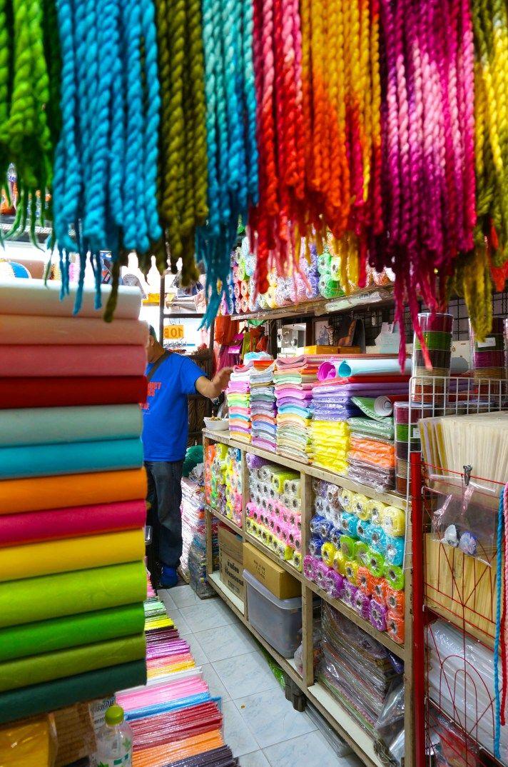 jj market chatuchak weekend stalls shopping bangkok