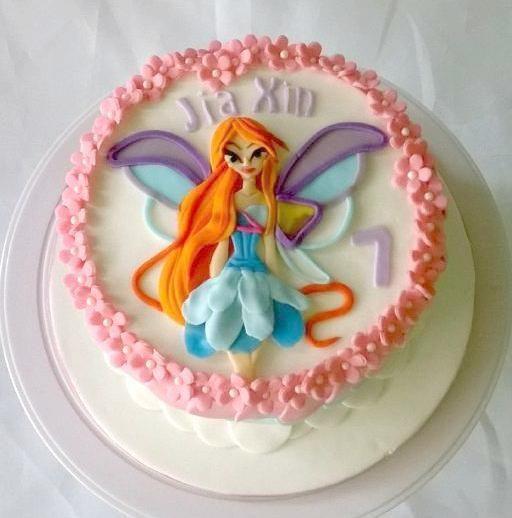 Bloom WinX Cake
