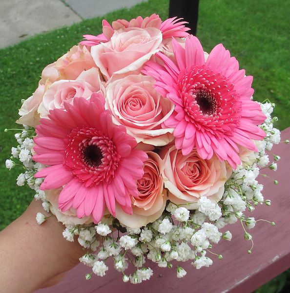 Pink Bouquet with Gerbera Daisies, Roses and Babies Breath Collaring Lighter colour gerbera and cream flowers needed