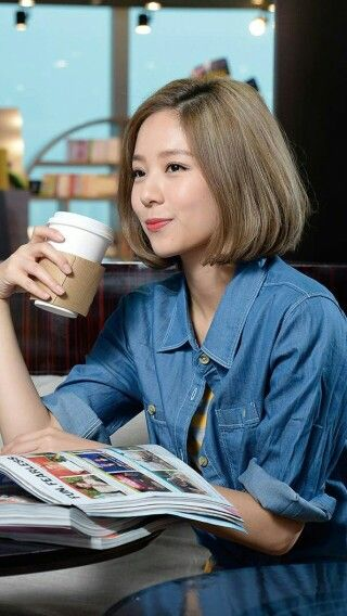 Short hair style with chic color. Korea hair styling.