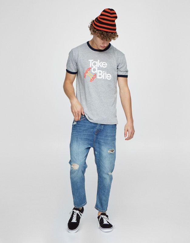 :Camiseta estampado contraste cuello y mangas