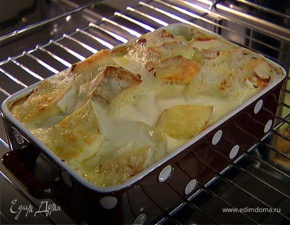 Деревенская запеканка с копченой курицей и сыром. Ингредиенты: куриные грудки копченые, картофель, лук репчатый