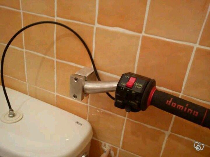 Throttle toilet flusher