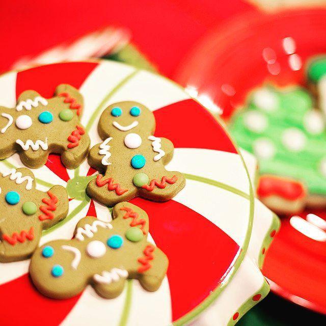 Новый год закончился, но имбирные пряники никто не отменял! Мастер-класс по приготовлению новогодних вкусняшек - настоящее удовольствие __________ Квантиль +7(916)074-64-64 #kvantil  #kvantilevent  #квантиль  #праздник  #мастерклассыдлядетеи  #детскиепраздникимосква  #детскиипраздникмосква  #имбирныепряникимосква #kvantil-event