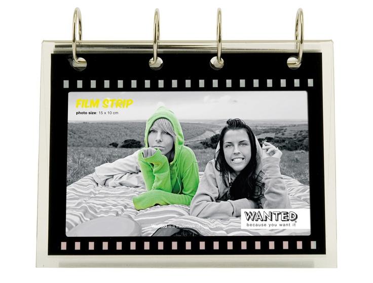 Fotoframe Flipover.€ 12,95. geschikt voor 20 foto's van 10x15cm.