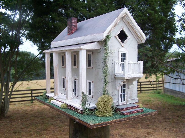 Federal Birdhouse
