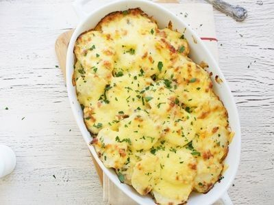 Very creamy and goes nice with roast lamb, or sausages.