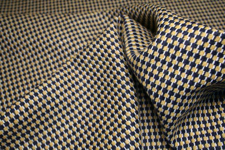Tessuto di lana made in italy, pied de poule di colore beige e nero e filettatura bianca. di UMEfabrics su Etsy