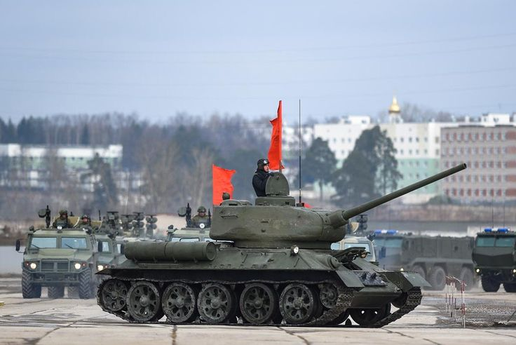 T-34 during 2017 military parade repetition