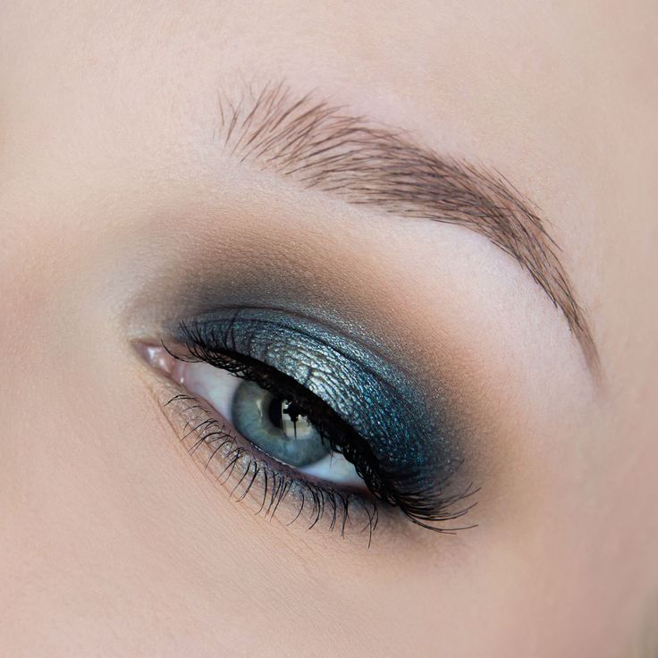 This 'Aqua Smoke' look by Rose Herd features Makeup Geek Eyeshadow Beaches and Cream + Makeup Geek Foiled Eyeshadows in Charmed and Houdini.