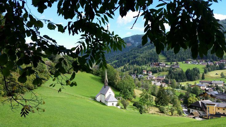 Wunderschöner Tag für einen erholsamen Spaziergang mit Hotelhund SAMY vom Hotel Almrausch in Bad Kleinkirchheim   www.almrausch.co.at