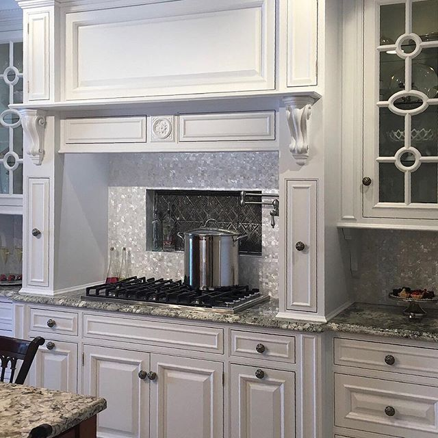 Bring The Shining Beauty Of The Sea To Your Dream Kitchen With Our Mother Of Pearl Mosaics Add Shimmer And Shine For Your Dream Kitchen Kitchen Decor Kitchen