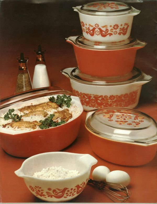 Scan of original Friendship pattern Pyrex advertisement.  The large casserole is the Penn Dutch pattern.