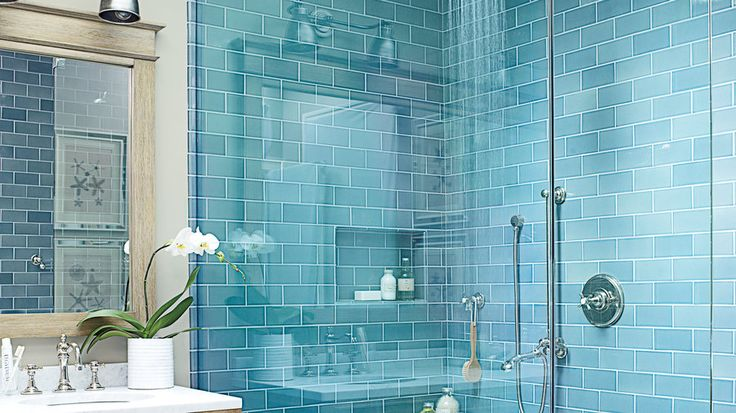 Water Everywhere | From high-end to laid-back, updated to old-fashioned, indoors to out, these coastal bathrooms are filled with smart and stunning design ideas.