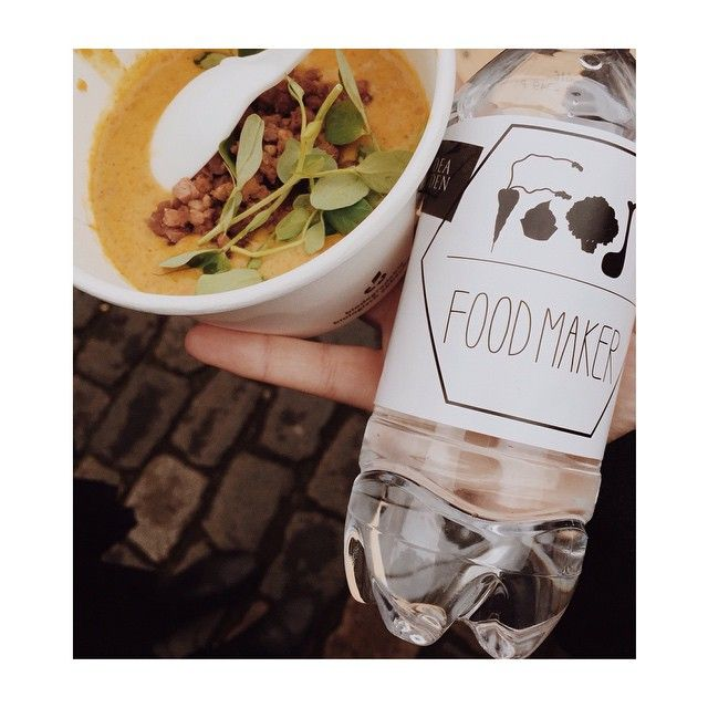 Mødte vi dig på Pustervig Torv i dag? Food Festival var i hvert fald forbi for at støtte op om det nye fællesskab @foodmakerdk . Food Festival er vilde med deres mission om at gøre flere unge madglade og vise dem, hvor hyggeligt det er at lave mad i fællesskab. Giv dem et like  #foodfestival15 #aarhus #madhyldest #foodmaker #madglad #fællesskab