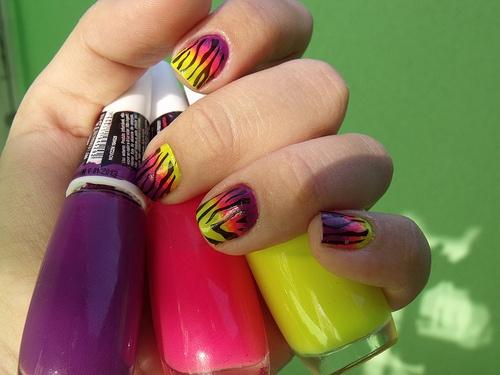 Multi-neon nails!