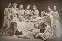 Айседора Дункан и её школа танцев. 1909 год. Фото: flickr.com / Mo