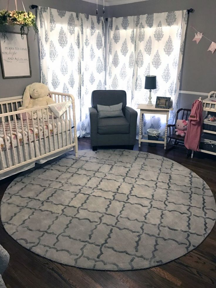 How Much Are You Loving This Round Nursery Rug? It Makes The Space Feel So