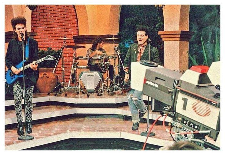 SODA STEREO: Presentación de SIGNOS en la TV de México. Televisa, año 1987