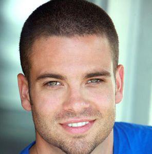 "Mark Salling (6'0) - ""Quinn"""