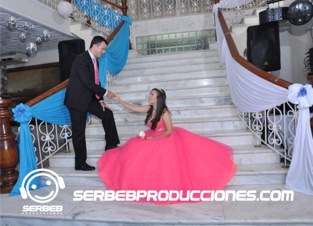 11 best images about 15 a os plateado con azul cielo on - Salones con escaleras ...