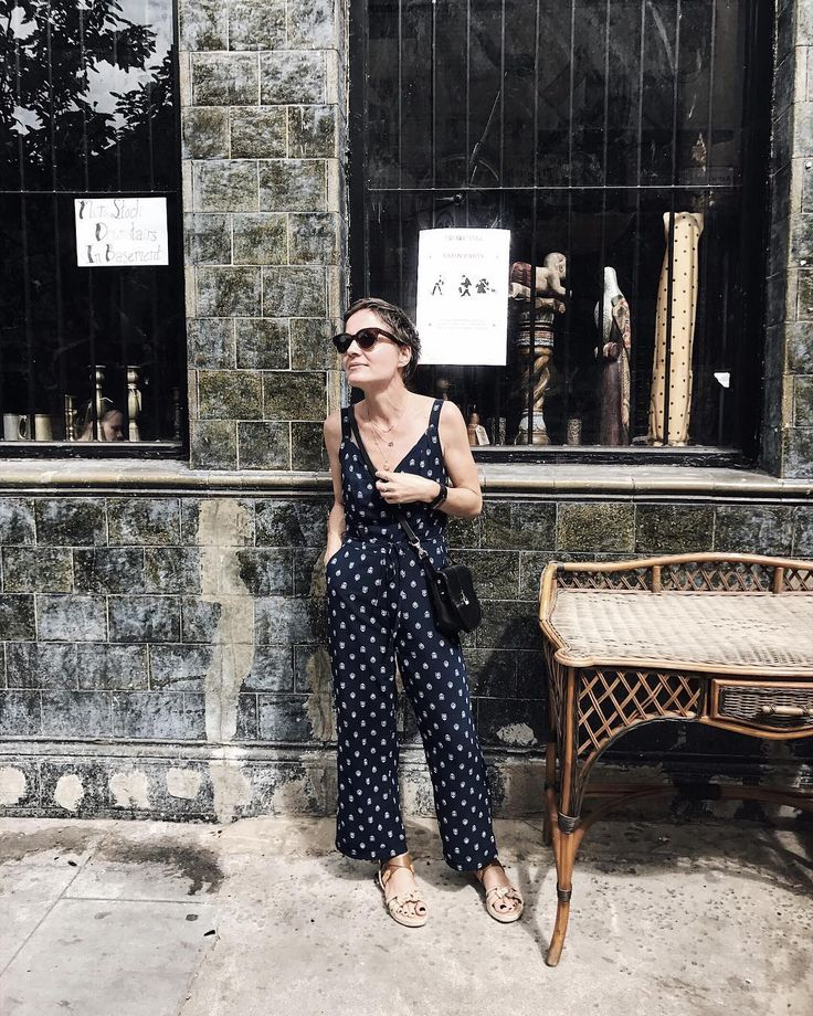 Nothing to see here just nonchalantly matching sandals to a desk & humming Careless Whisper sax riff {jumpsuit @sosandar & bag @paradise.row )
