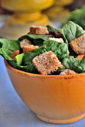 Avocado Salad With Gluten-Free Cheesy Croutons Recipe | Glamour | #glutenfree #avocado #salad #cheesy #healthy #recipe