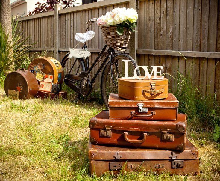 Bristol Vintage Wedding Fair: A SUNNY PROPS PHOTO SHOOT #VintageWedding #rubylane
